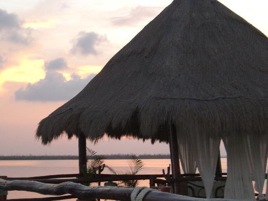 JC Capitan: romantic cabanas you can sit at