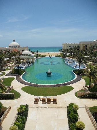 Iberostar Grand Hotel Paraiso: View of the Grand from outside Japanese restaurant