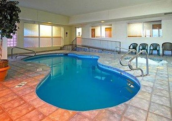Comfort Inn Lucky Lane: Heated Indoor Pool