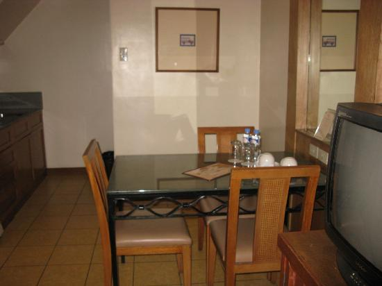 The Legend Villas : Premier Suite Kitchen Area