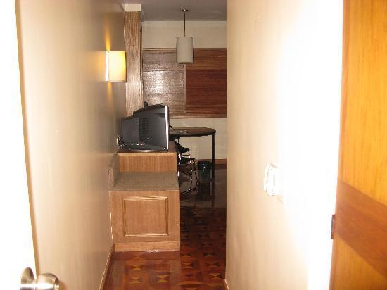 The Legend Villas : Premier Suite Bedroom Area