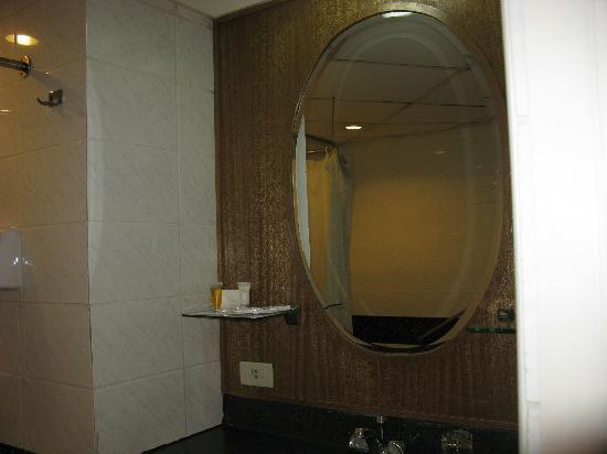 The Legend Villas : Premier Suite Bathroom