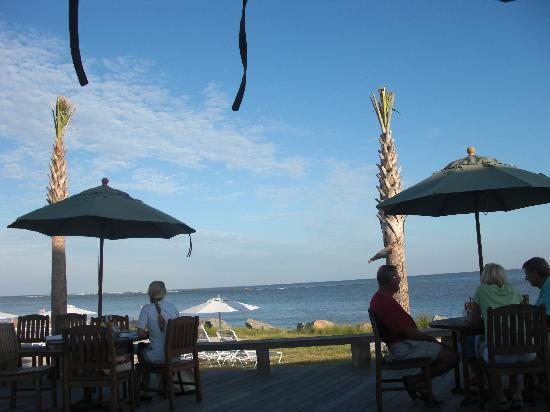 Seabrook Island Resort: Restaurant/bar/pool area