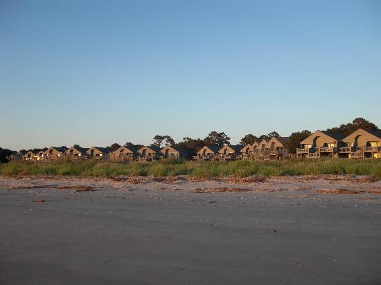 Seabrook Island Resort: Pelican's Watch from the beach