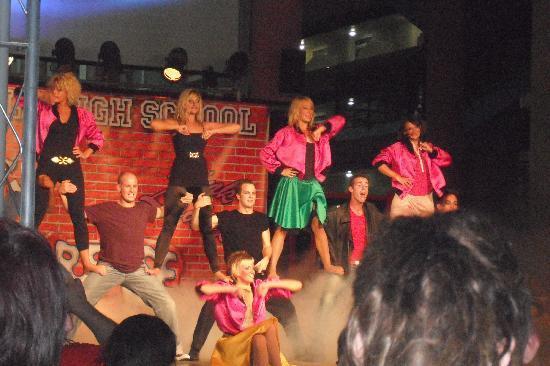 MedPlaya Hotel Calypso : Grease Show