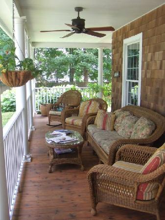 The Harvest Inn: the porch