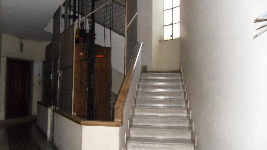 Principe Eugenio : Fourier to Hotel.. Go up one flight of stairs..