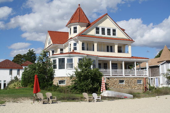 Hotels Near Onset Beach