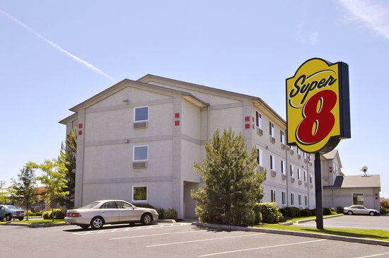 Super 8 Redmond: PIC