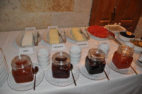 Esbelli Evi Cave Hotel: Esbelli Evi breakfast