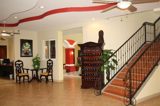 Le Chateau: Main Lobby area