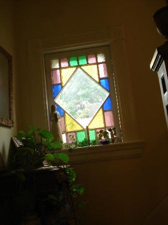 Cooperstown B and B: Stainglass windows and doors added to the charm of our B&B