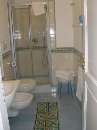 Il Ducato Di Ravello: My bathroom