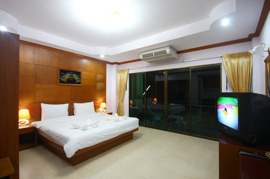 Phuket Tropical Inn: Deluxe Room