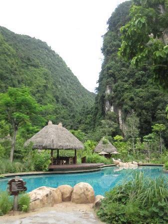 The Banjaran Hotsprings Retreat: great view of pool and surrounding beauty