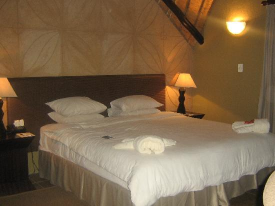 Mabula Private Game Reserve, Afrika Selatan: Open plan bedroom !