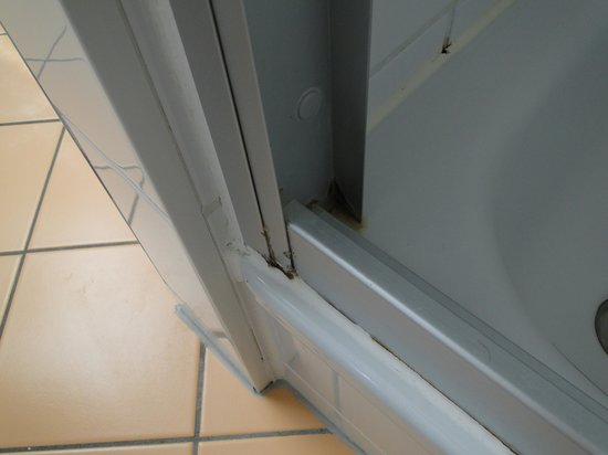 Strandhotel Ostseeblick: Dusche im Topseezimmer 305