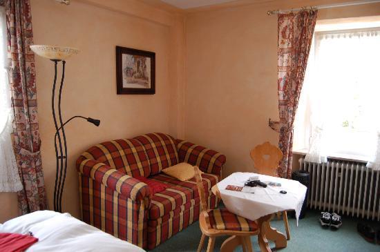 Hotel Reiler Hof: Zimmer 4, Sitzgruppe