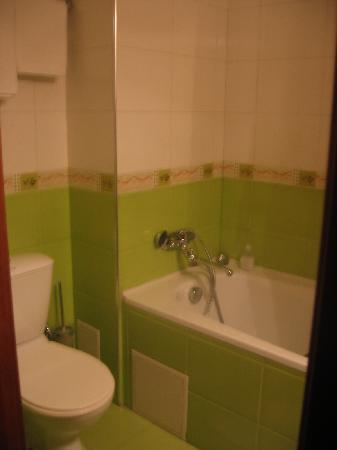 Hotel Europe: bathroom