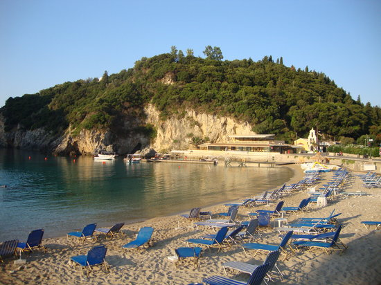 Zefiros Hotel: BEACH IN FRONT OF THE HOTEL-LA SPIAGGIA DI FRONTE ALL'HOTEL