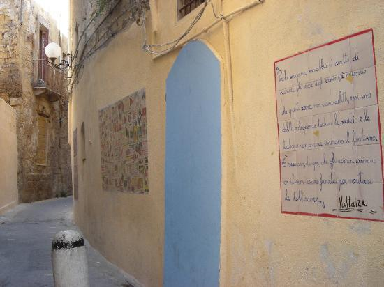 Mazara del Vallo, Italien: Uno dei vicoli