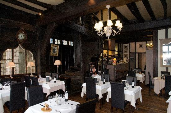 Int rieur du restaurant photo de chez la mere pourcel for Interieur restaurant