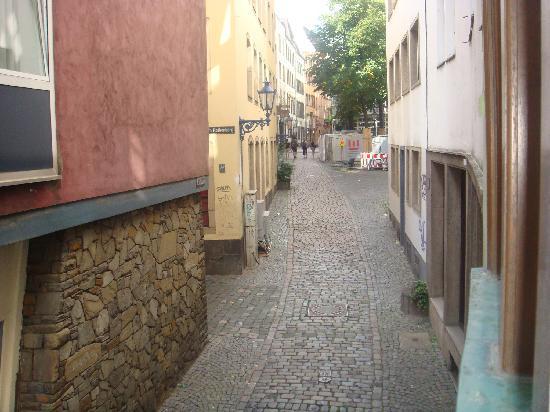 Das Kleine Stapelhauschen: Street view from the window