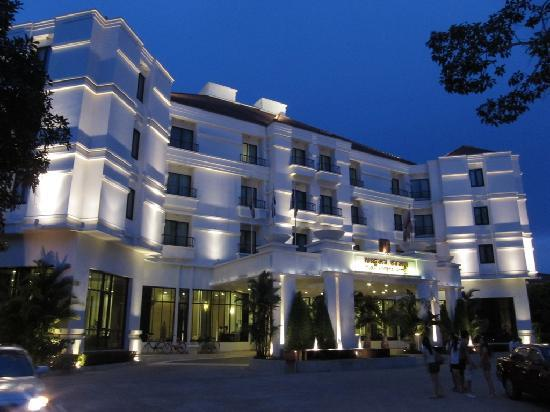 Night view of Tara Angkor Hotel