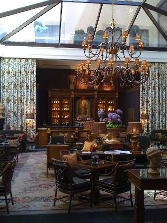 Four Seasons Hotel Firenze: Bar/lounge area