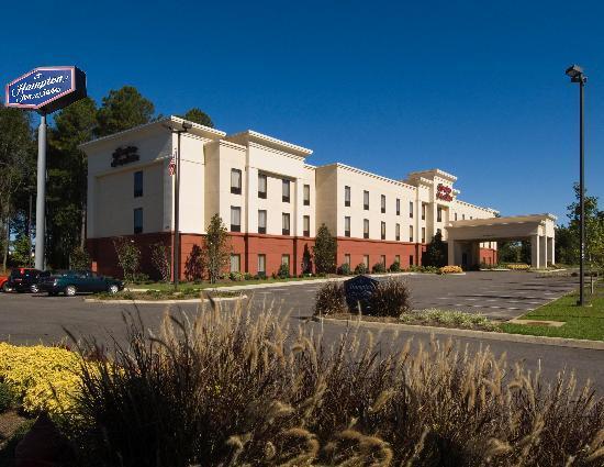 Hampton Inn & Suites Dothan: Hotel Exterior