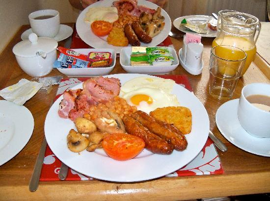 Anis Louise Guest House: Martin's Full English Breakfast