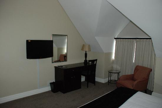 Bantry Bay Suite Hotel: Upstairs Bedroom