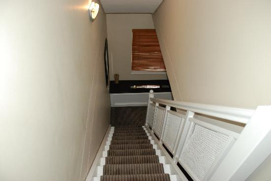 Bantry Bay Suite Hotel: Stairs