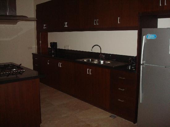 The Segara Suites: Open Kitchen