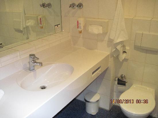 Best Western Hotel Der Lindenhof: Bathroom