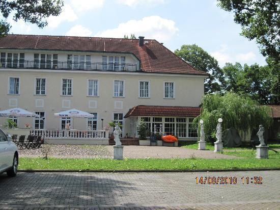 Best Western Hotel Der Lindenhof: Courtyard
