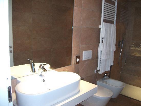 Borgo Le Terrazze: bathroom