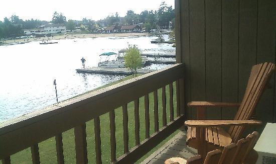Water's Edge Inn: View from our balcony lake front room