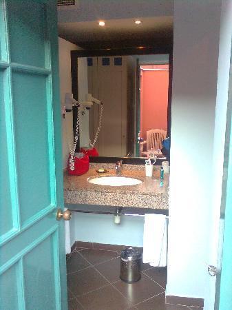 Euphoria Tekirova Hotel: Open the room door. surprise !! the lavatory !!