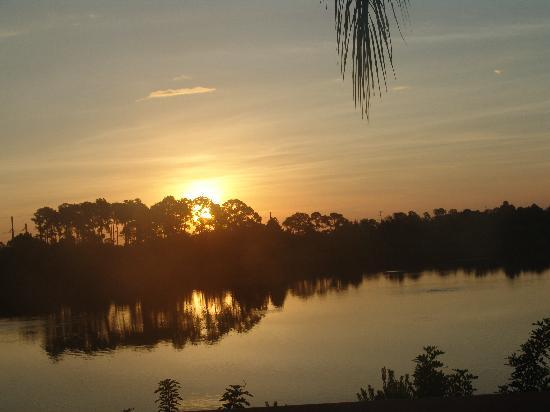 Port Charlotte, FL: our view, sunrise over the lake.