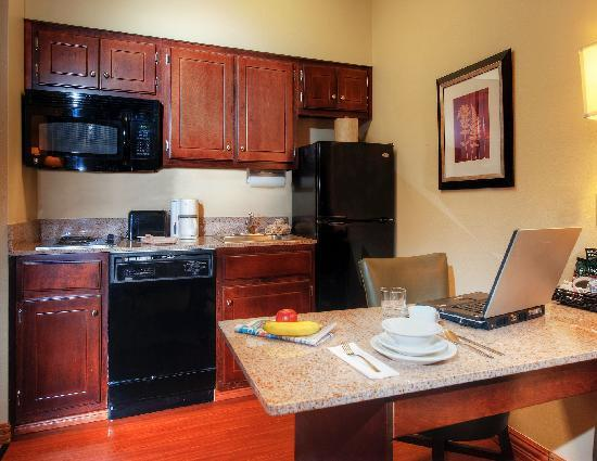 Homewood Suites by Hilton Chattanooga/Hamilton Place : In-Suite Kitchen