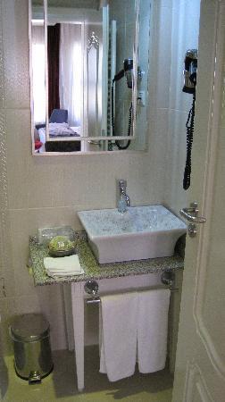 Hotel Amira Istanbul: bath