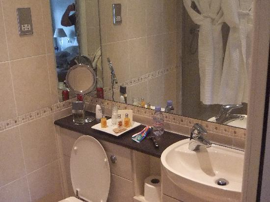 Benson House: Our en-suite bathroom