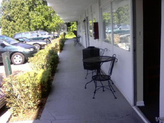 The Mill Stone Manor Motel: outside of room