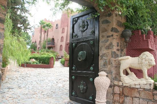 Kasbah Tamadot : entrance