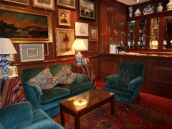The Gallery Hotel: Foyer & Bar