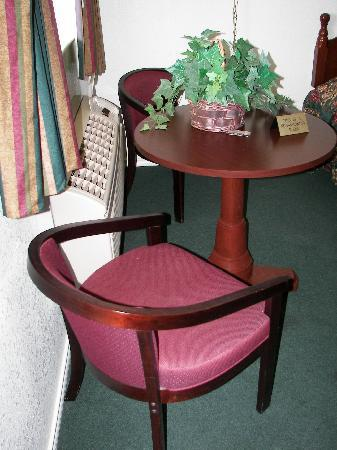 Woodbine Inn : Queen Room
