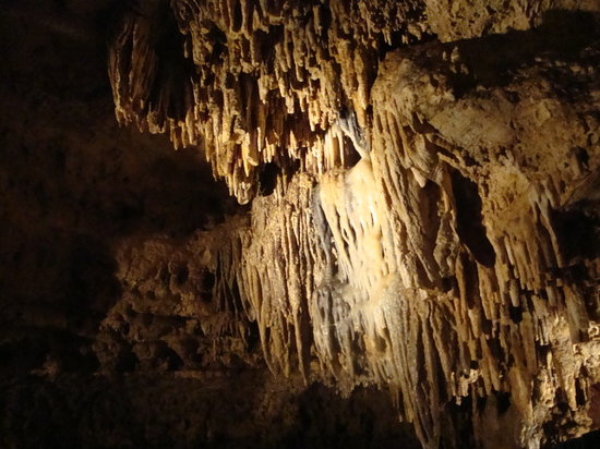 Cave of the Mounds : Underground wonders