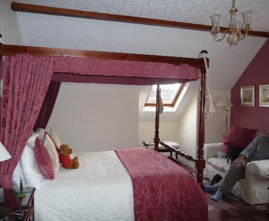 Beechwood Guest House: 4 poster room