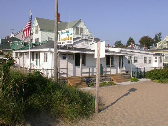 Seacoast Motel: right by the beach